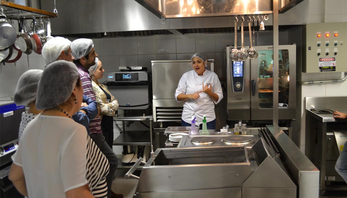 Treinamento Em Cozinha Inteligente Auxilia Quem Quer Abrir Neg Cio